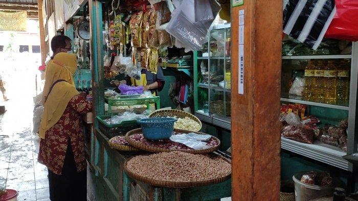 Sempat Naik, Harga Telur dan Cabai di Pasar Segamas Purbalingga Mulai Turun