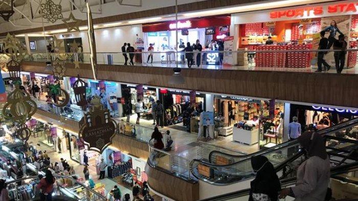 Mendekati Hari Lebaran, Pusat Perbelanjaan Kian Mengalami Peningkatan Kunjungan