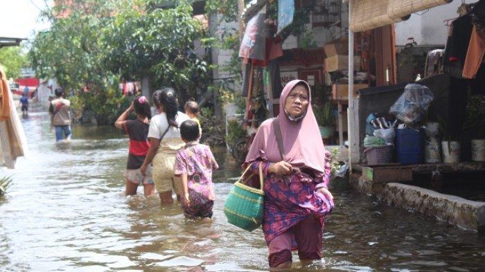 Sepekan Terendam Banjir, Warga Genuk Kota Semarang: Kami Butuh Krim Gatal
