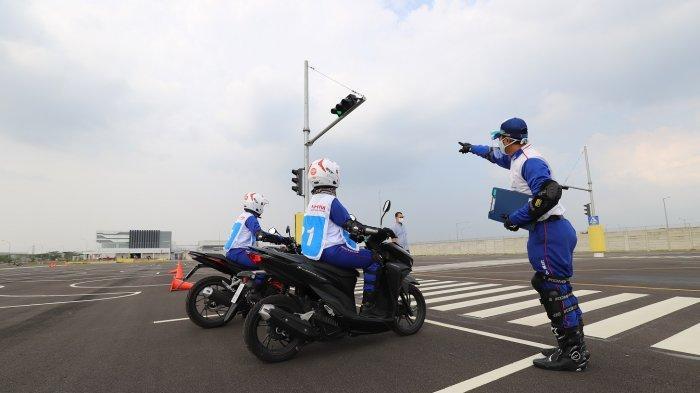 Ingin Berkendara Aman, Kenali 120 Potensi Bahaya di Jalan