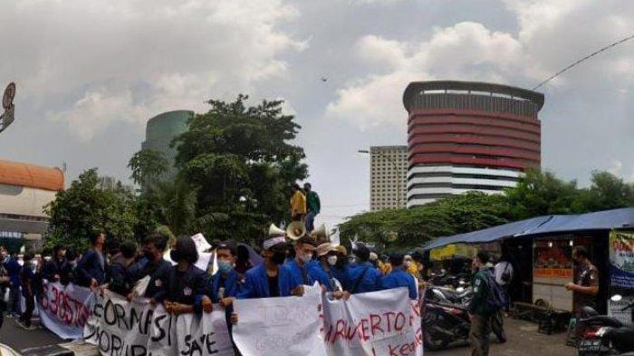 BEM UMP Purwokerto Ikuti Aksi di Depan Gedung KPK Jakarta