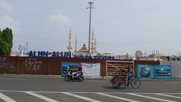 Alasan Alun-alun Kota Tegal Masih Tertutup Pagar Seng