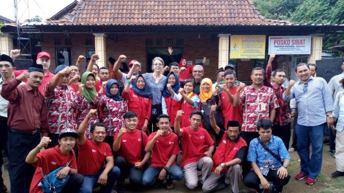Palang Merah Amerika Kunjungi Sibat Desa Ngangrong, Ampel