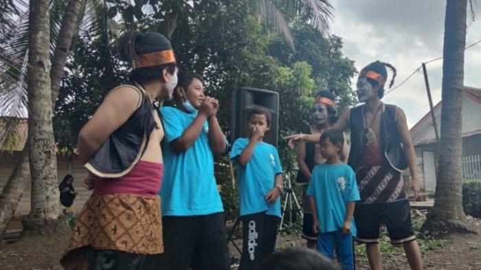Lepas Kecanduan Gawai, Anak-Anak di Kelurahan Karangklesem Purwokerto Ikuti Festival Dolanan Bocah