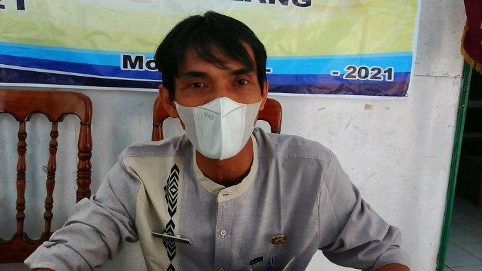 Pedagang Pasar Moga Pemalang Gelar Aksi Buang Tempe, Camat: Semoga Para Pedagang Juga Dapat Bantuan