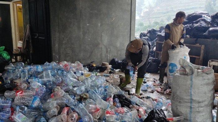 Cerita Pemuda Dieng Atasi Masalah Sampah di Hulu Serayu, Limbah Plastik Menumpuk, Sumbat Pengairan