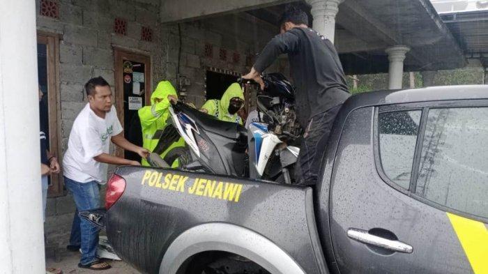 Kecelakaan di Jalur Wisata Cetho Karanganyar, Pengendara Motor Terpental Ke Perkebunan