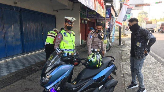 17 Pemilik Motor Berknalpot Brong Ditilang Satlantas Polres Karanganyar Saat Hendak ke Tawangmangu