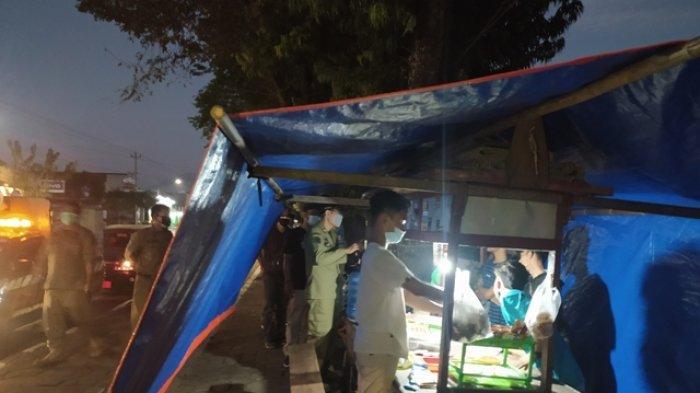 Protes Pembatasan Waktu Berjualan di Karanganyar, Pedagang Mabuk Dibawa ke Polsek