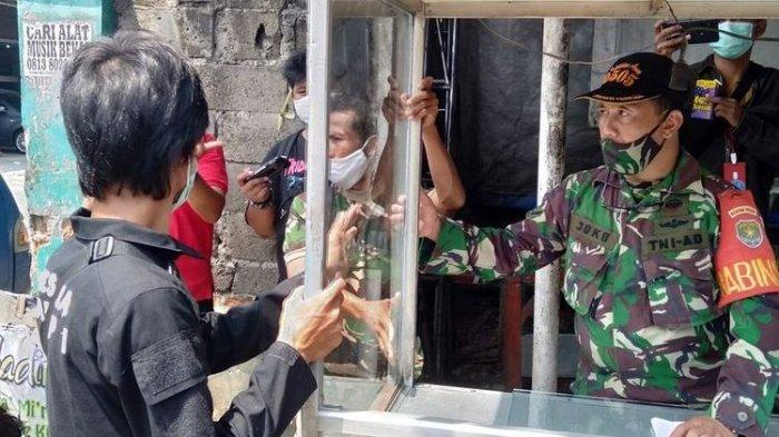 TNI AD Perbaiki Kerusakan Gerobak Akibat Aksi Anarkistis Oknum Tentara di Ciracas