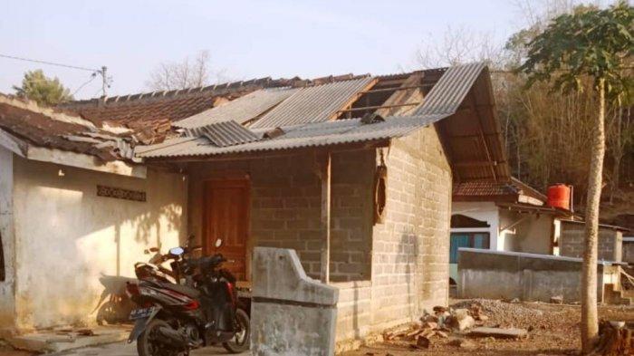 Puting Beliung Menerjang 7 Rumah Warga di Wonogiri