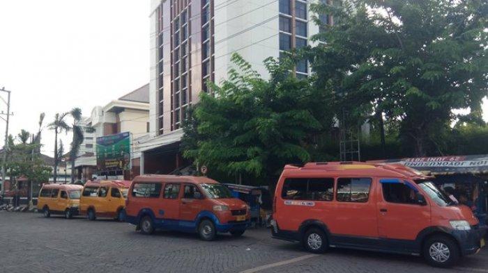 Cerita Sopir Angkot Nganggur karena Corona, Jual Perabotan Rumah Demi Bertahan Hidup