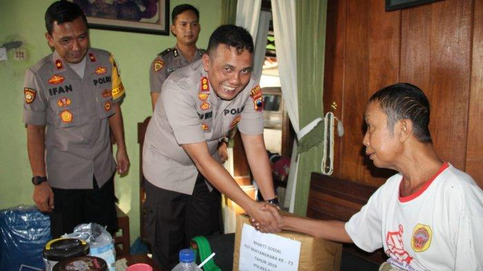 HUT Bhayangkara ke 73, Kapolres Pati Pimpin Anjangsana ke Warakawuri