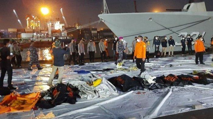 Wajah TeofilusdanSelvinDaro Korban Tragedi Sriwijaya Air SJ 182 Pakai KTP Identitas Orang Lain