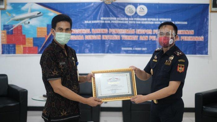 Gagalkan Penyelundupan Baby Lobster, Bea Cukai Tanjung Emas Raih Penghargaan dari BKIPM