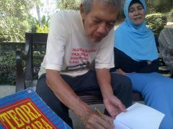 Lebih Dekat dengan Prof Arief Budiman di Salatiga