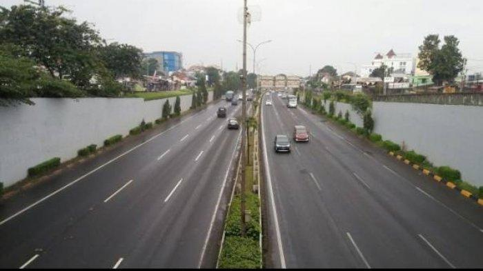 Alasan Jasa Marga Bayar Ganti Rugi Puluhan Mobil yang Pecah Ban di Tol Japek