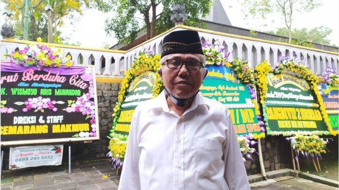 Pengelola Astana Giribangun Kecamatan Matesih Kabupaten Karanganyar Jawa Tengah, Sukirno.