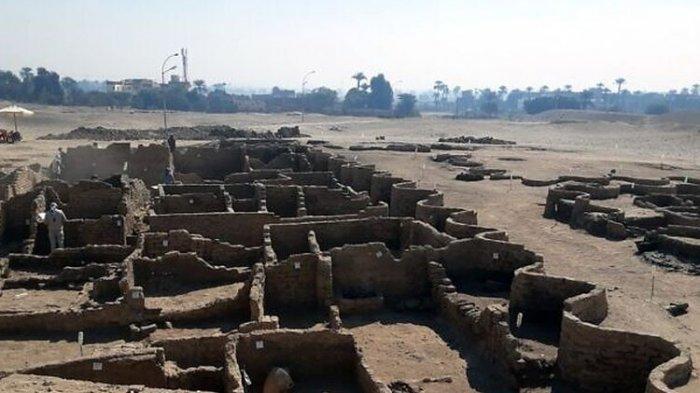 Kota Emas Berusia 3.000 Tahun Ditemukan di Mesir, Arkeolog Dapati Banyak Perhiasan dan Jimat