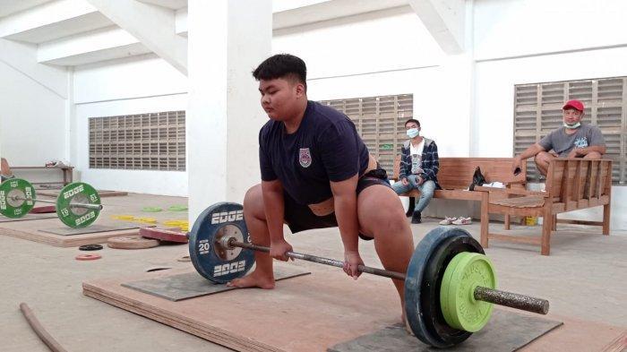 Dampak PPKM Darurat di Pati, Atlet Angkat Berat Terpaksa Latihan Mandiri di Rumah