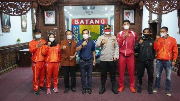 Tujuh Atlet Batang Siap Bertanding di PON Papua, Bupati Wihaji Targetkan Bawa Medali Emas