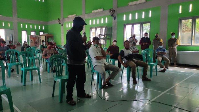 Warga Beji Lor Banyumas Geruduk Balai Desa Protes Pengelolaan Air Bersih