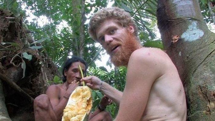 Viral Insinyur Minyak Norwegia Tinggal di Hutan Bersama Suku di Indonesia, Ini yang Membuatnya Betah