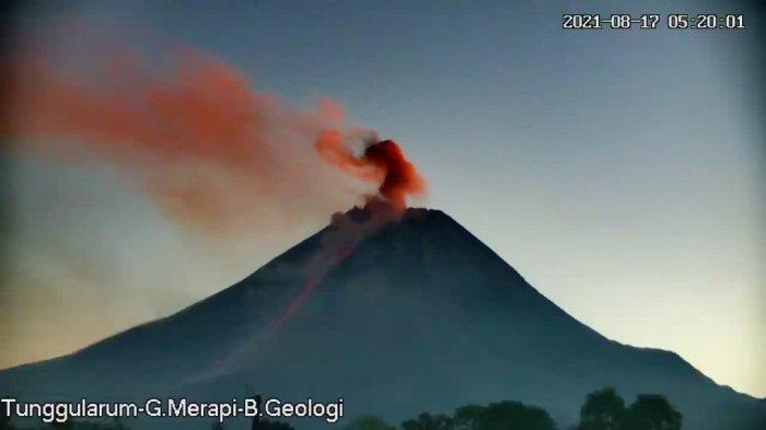 Awan panas guguran Gunung Merapi tanggal 17 Agustus 2021 pukul 05.18 WIB tercatat di seismogram dengan amplitudo 45 mm dan durasi 100 detik. Jarak luncur 1.300 m ke arah barat daya (K. Bebeng).