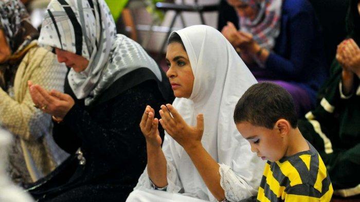 Doa Menghadapi Perkara Lengkap Arab Latin dan Artinya