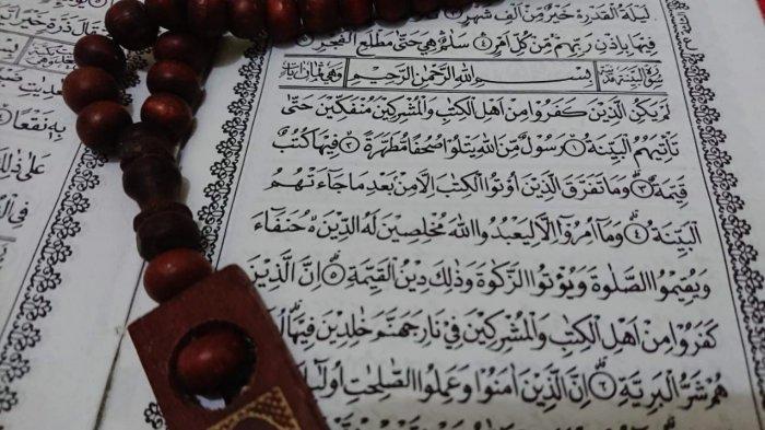 Surat Al Bayyinah Lengkap Arab Latin dan Artinya