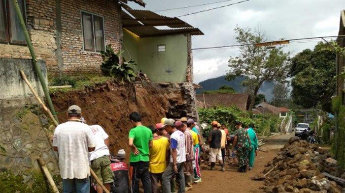Bangunan Permanen Pertama di Deplongan Getasan Tergerus Longsor, Mbah Sopiyah Mengungsi