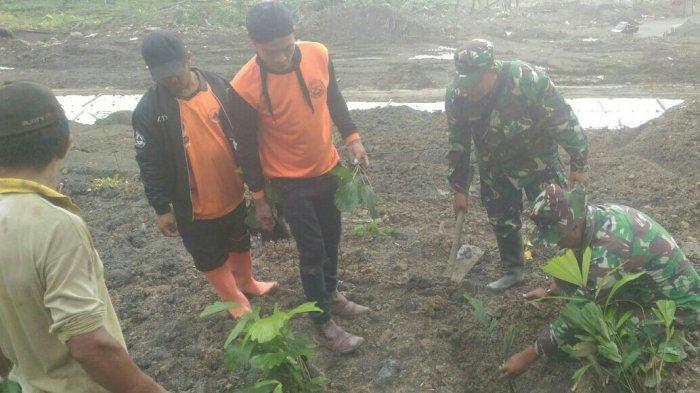 MISTERI Rumah Ustaz dan Pepohonan Aren yang Tidak Terkena Longsor Terungkap