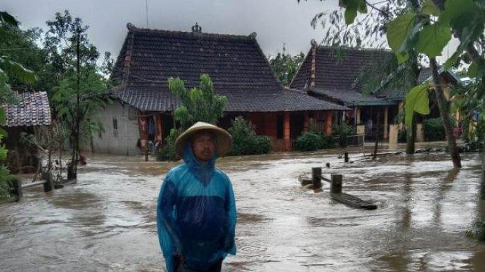 Banjir Bandang Terjang Desa Tanjungsekar Pati, Sebelumnya Hujan Lebat Disertai Angin