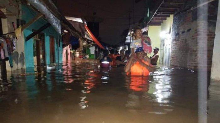BREAKING NEWS: Banjir Landa Pekalongan, Aaf Imbau Warga di Tepian Sungai Waspada