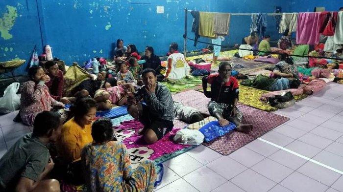 Ratusan Pengungsi Banjir Pekalongan Butuh Selimut