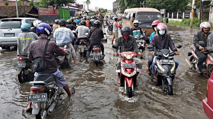 Update Banjir di Kota Pekalongan, 3592 Jiwa Mengungsi di 65 Titik