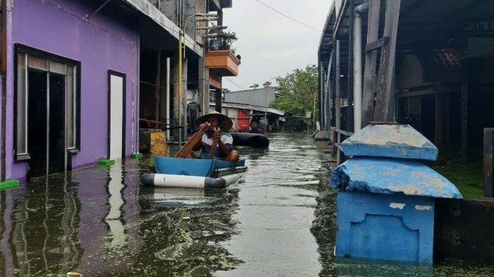 Banjir di Desa Sayung Makin Parah, Aktivitas Warga Terhambat, 10.000 Jiwa Terdampak