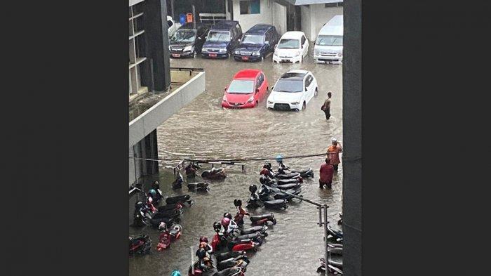 Semarang Banjir Lagi, 14 Lokasi Terendam Air, Termasuk Kantor Gubernur Ganjar