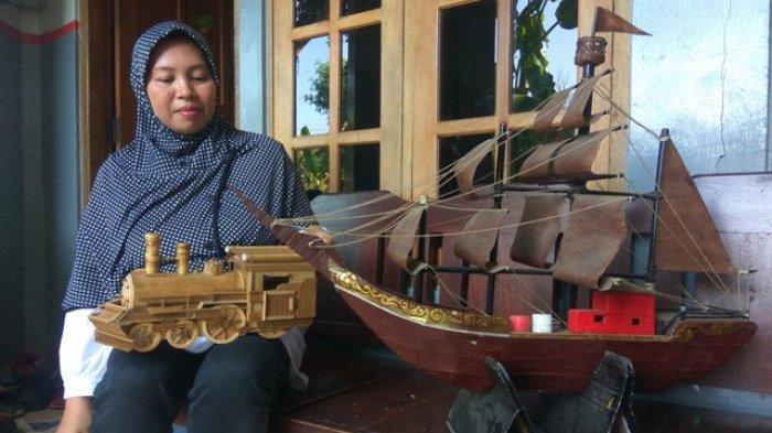 Di Bank Sampah Makmur Salatiga, Rahayu Bisa Olah Sampah Jadi Miniatur Mobil, Kapal Hingga Lokomotif