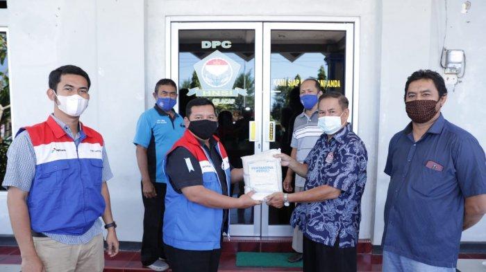Pertamina Refinery Unit wilayah Cilacap kembali menyalurkan bantuan beras bagi masyarakat nelayan