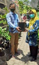 UT Semarang Berdayakan Keluarga Miskin di Kelurahan Wonosari dengan Usaha Olahan Singkong