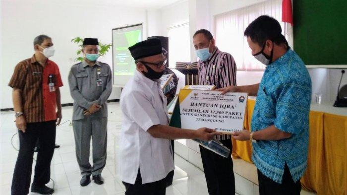Cetak Generasi Ahli Quran, Baznas Temanggung Berikan 10 Ribu Eksemplar Alquran ke Siswa SD