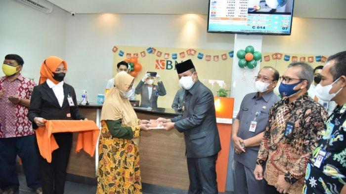Lumayan! Terdampak PPKM Darurat, 3.000 PKL di Kebumen Terima Bantuan Rp 750 ribu dari Pemkab