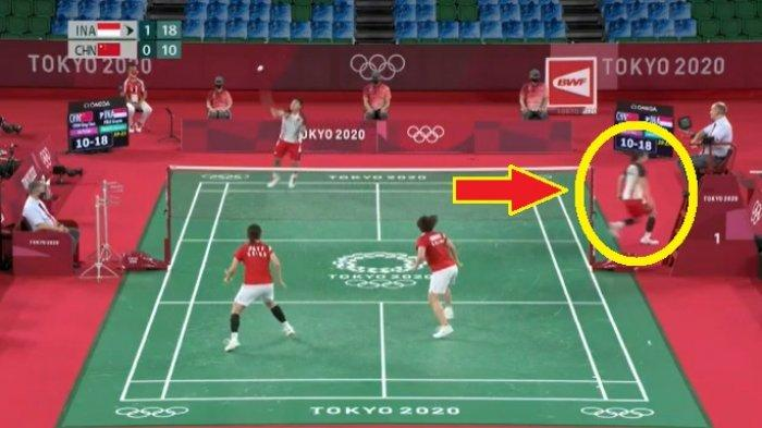 Banyak yang Tidak Sadar Greysia Polii Lari Ganti Raket Lalu Kelabuhi Pasangan China di Olimpiade