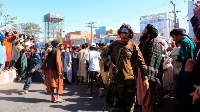 Taliban Gantung Mayat Penculik Pengusaha di Alun-alun Kota, Peringatan untuk Peaku Lain