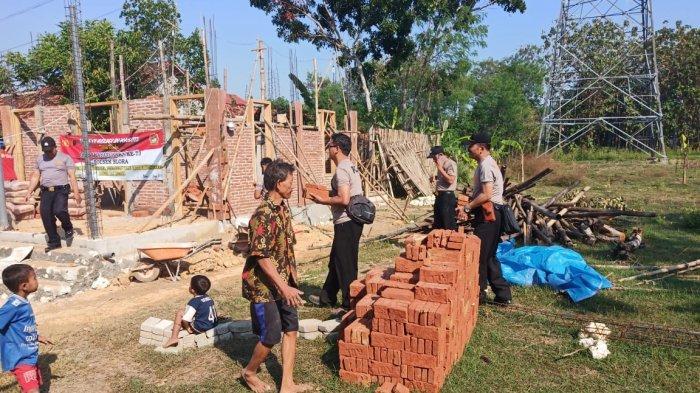 HUT Bhayangkara ke 73, Polsek Blora Bantu Pembangunan Masjid Al Islam Desa Temurejo