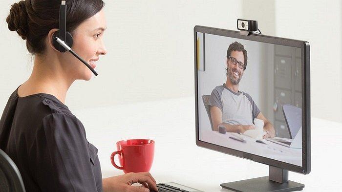 Bekerja di Rumah, Perlukah Memiliki Webcam Tambahan?