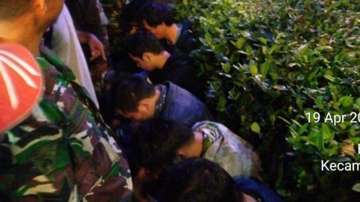 DETIK-DETIK Penggerekan 16 Pria Diduga Gay saat Pesta Mandi Bareng di Pemandian Air Panas