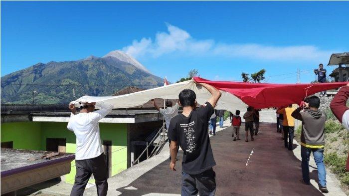 Meriahkan HUT RI, Warga Desa Selo Boyolali Kibarkan Bendera Merah Putih Berukuran Jumbo