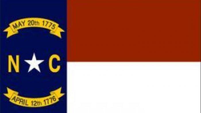Bendera negara bagian North Carolina di Amerika Serikat.(NCPEDIA.org)
